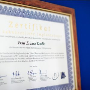 Zertifikat für Dr. med. dent. Zsuzsa Dudàs