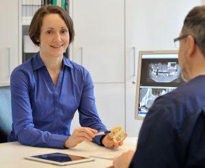 Beratunung durch Dr. med. dent. Zsuzsa Dudás zu Digitale 3D - Technologie (DVT)